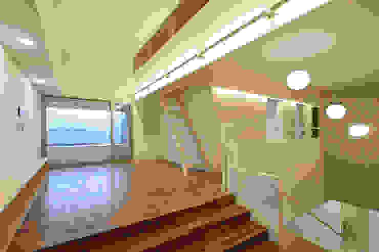 평창동 주택 (Pyeongchangdong House) 위빌 모던스타일 복도, 현관 & 계단