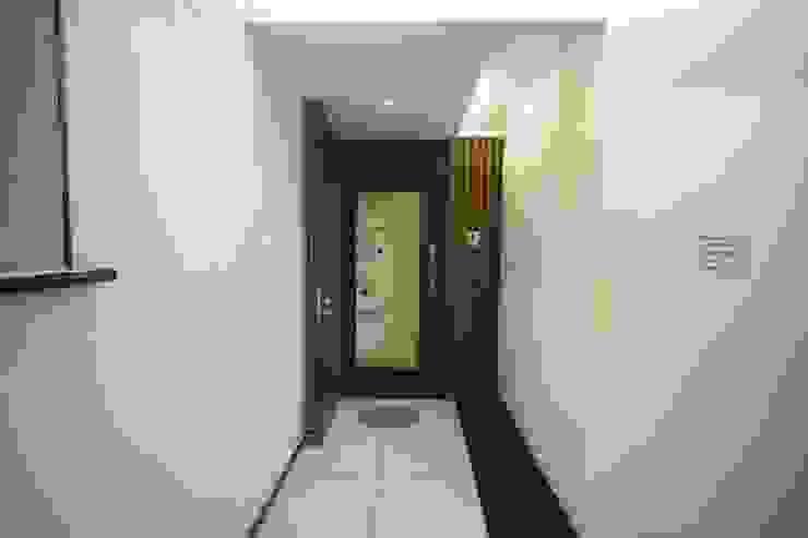 Samrath Paradise IMAGE N SHAPE Modern corridor, hallway & stairs