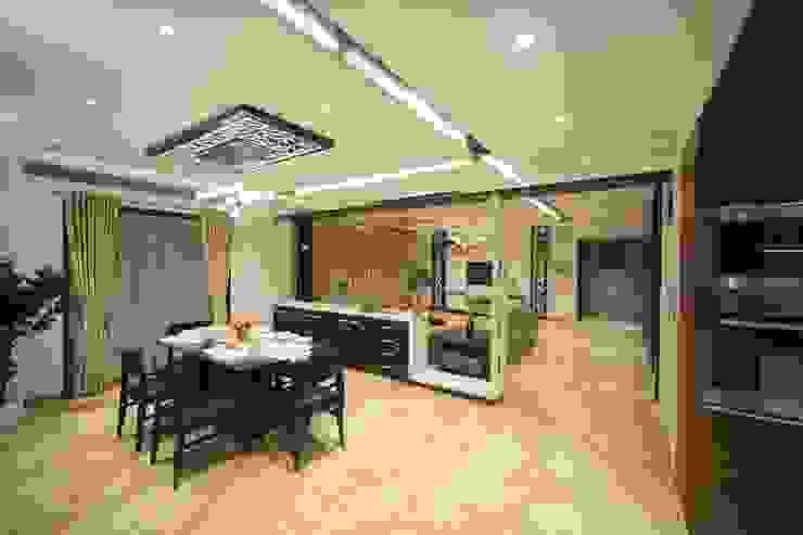 Samrath Paradise IMAGE N SHAPE Modern dining room
