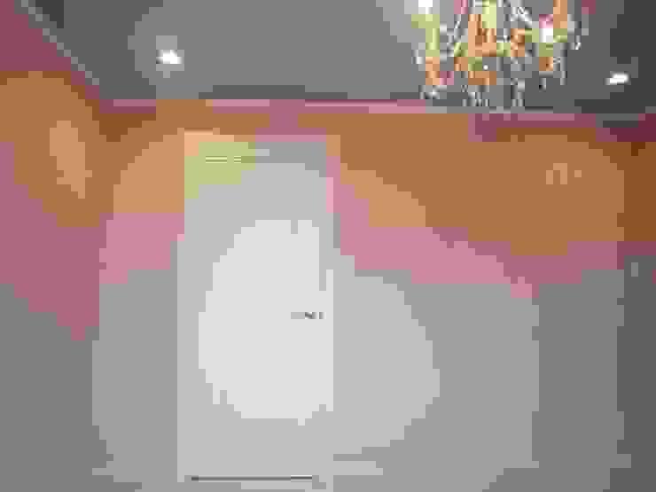 世界にたった一つのドア クラシックデザインの 子供部屋 の HONEY HOUSE クラシック 木 木目調