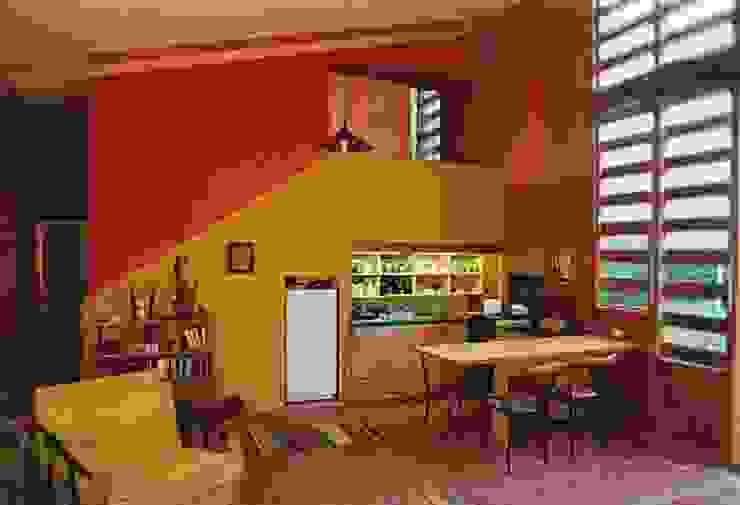 Casa Montealegre モダンデザインの リビング の pacific architecture chile モダン