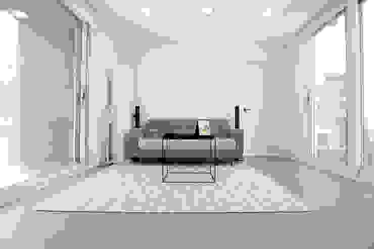 Moderne woonkamers van 한글주택(주) Modern