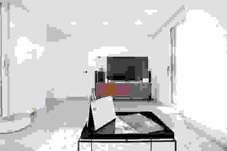 Salas modernas de 한글주택(주) Moderno