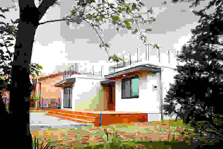 부르기만 해도 복받치는 이름 부모님 모던스타일 주택 by 한글주택(주) 모던