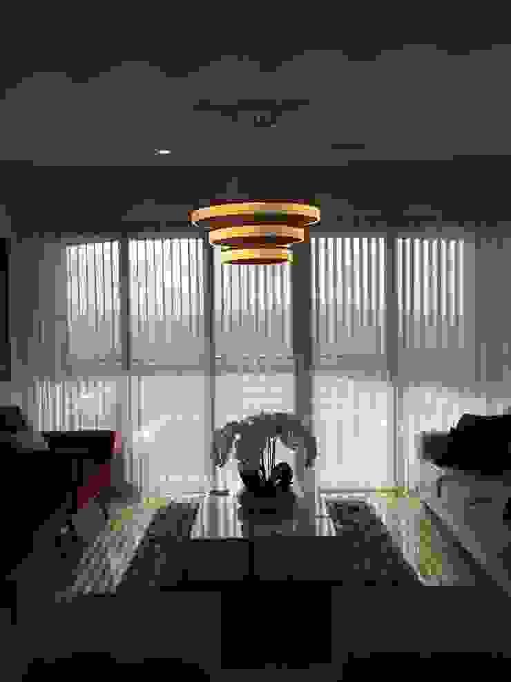 Modern Living Room by John Robles Arquitectos Modern