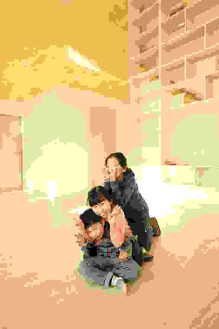 경북 군위 전원주택 협소주택 땅콩주택 컨트리스타일 거실 by inark [인아크 건축 설계 디자인] 컨트리 우드 우드 그레인