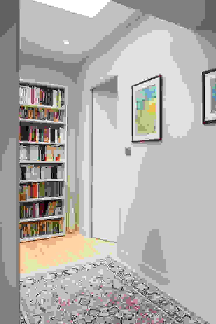 Maison à Limoges 2016 Couloir, entrée, escaliers modernes par Jean-Paul Magy architecte d'intérieur Moderne