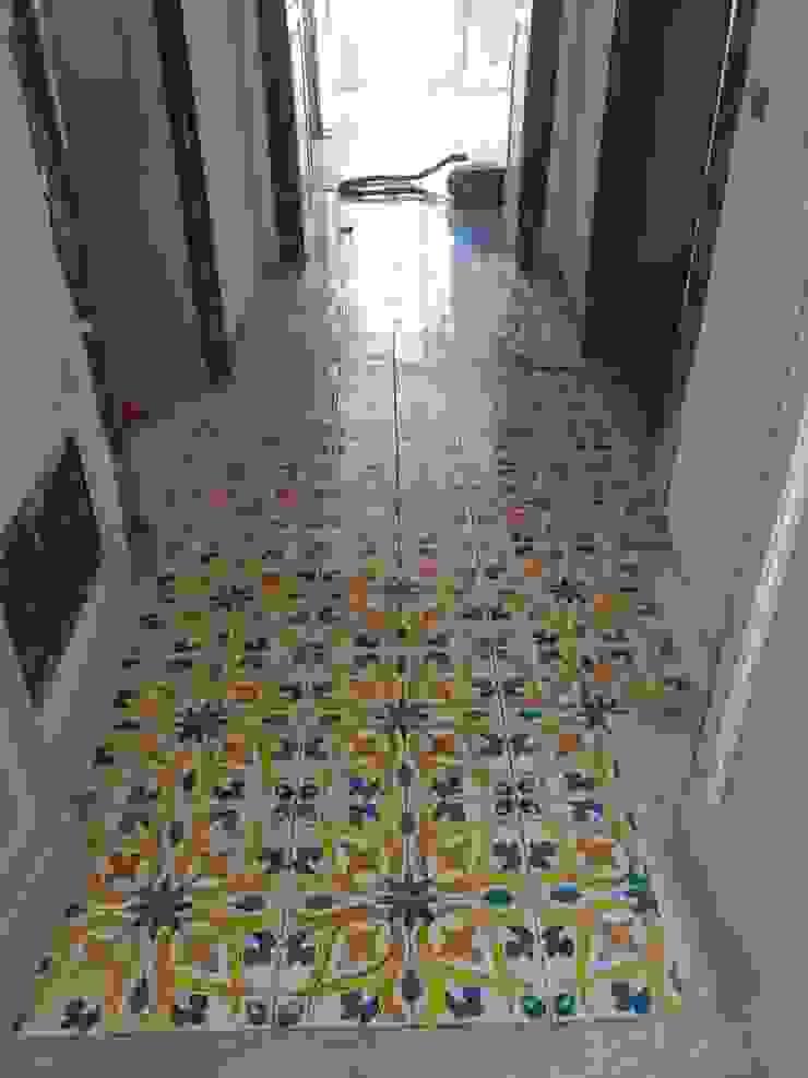 Pavimentazione abitazione CEAR Ceramiche Azzaro & Romano Srl Pareti & Pavimenti in stile mediterraneo Ceramica Variopinto