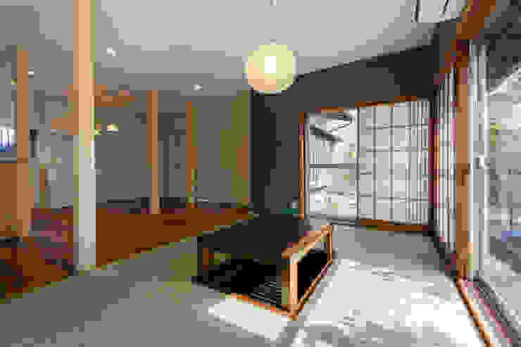 和室スペース ラスティックデザインの リビング の Unico design一級建築士事務所 ラスティック