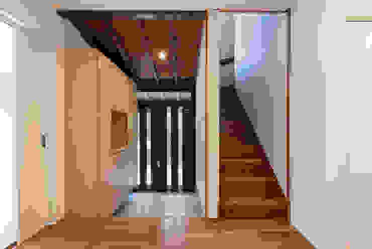 玄関 Unico design一級建築士事務所 ラスティックスタイルの 玄関&廊下&階段