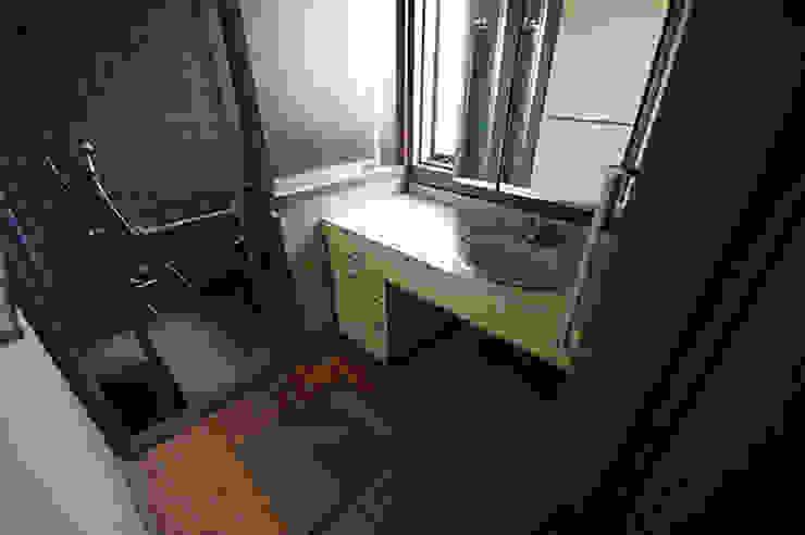 ビフォア クラシックスタイルの お風呂・バスルーム の Unico design一級建築士事務所 クラシック