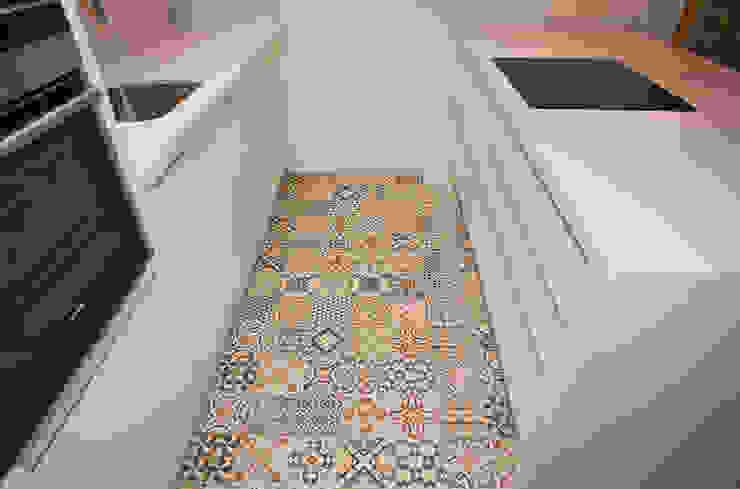 Modern Kitchen by Grupo Inventia Modern Ceramic