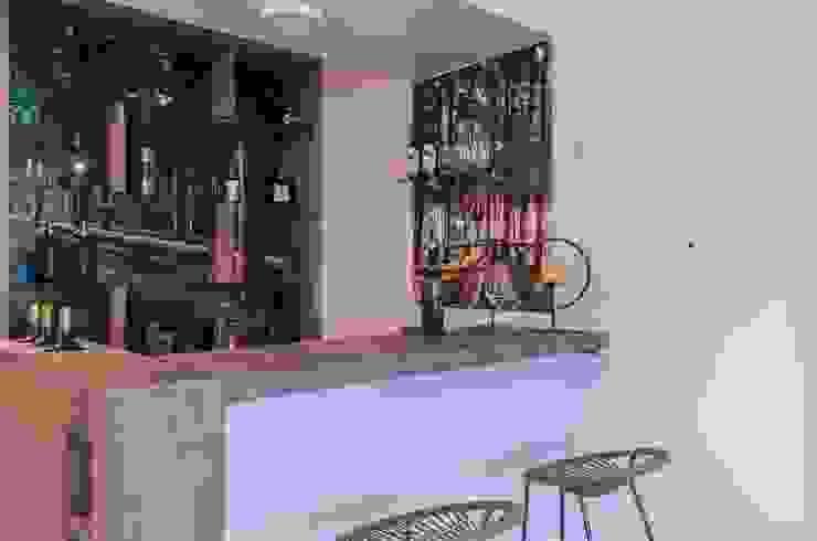 Nuestra Huella Bodegas de vino modernas: Ideas, imágenes y decoración de Xime Russo Interiores Moderno