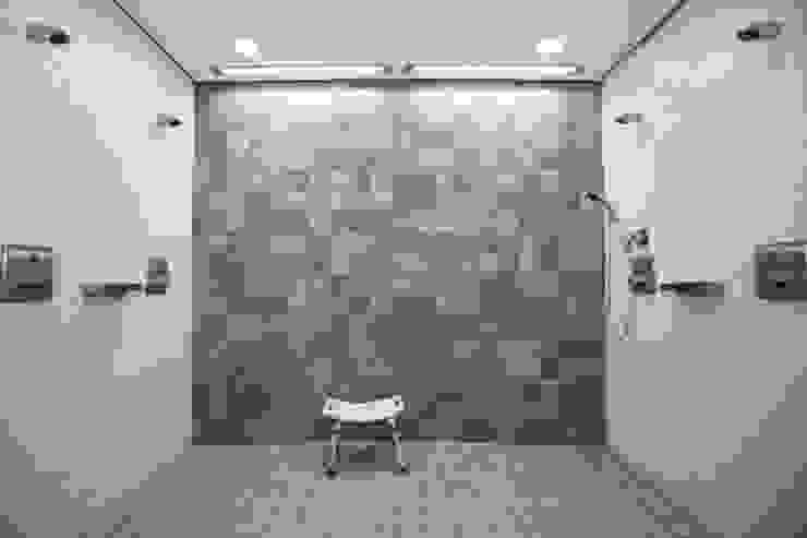Salones de eventos de estilo moderno de BPLUSARCHITEKTUR Moderno