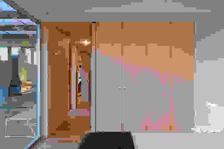 Bedroom by Jular Madeiras,