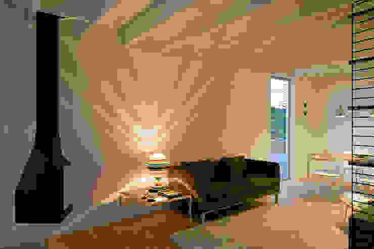 Living room by Jular Madeiras,