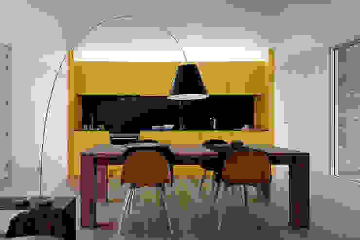 Modern dining room by Jular Madeiras Modern Plywood
