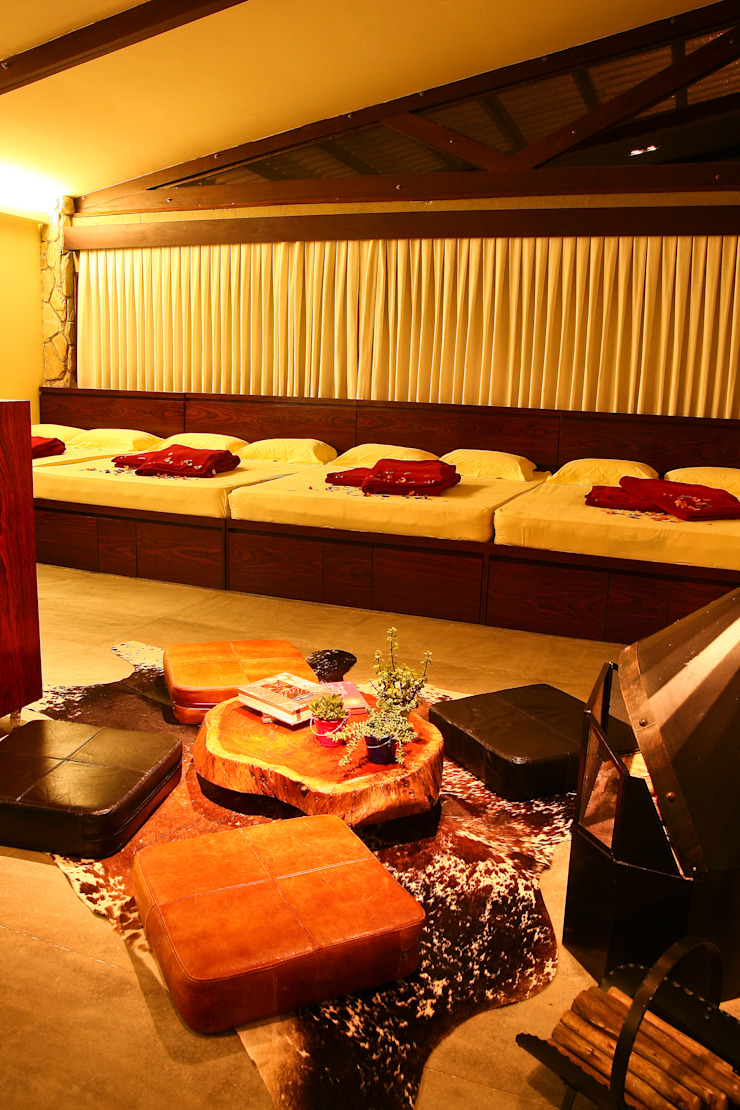 Duo Arquitetura Country style bedroom Wood Beige