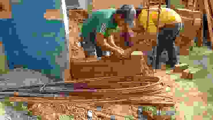 Another brick in the wall (otro tabique en el muro) de Ingenieros y Arquitectos Continentes