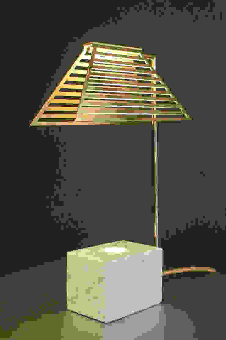 Contorno Lamp White Marble van Studio Jolanda van Goor Scandinavisch Koper / Brons / Messing