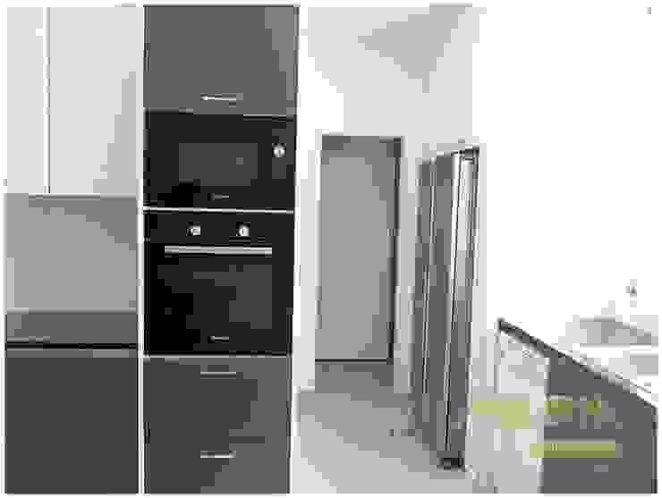 Remodelação de Apartamento Cozinhas clássicas por MELOM Momentos Clássico