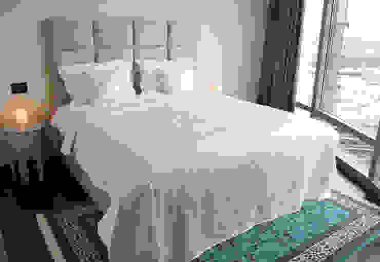 Appartement Dubai Moderne slaapkamers van By Lenny Modern