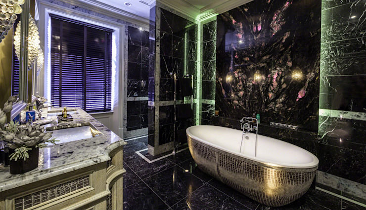 Restored Georgian splendour with modern indulgences Classic style bathroom by Design by UBER Classic