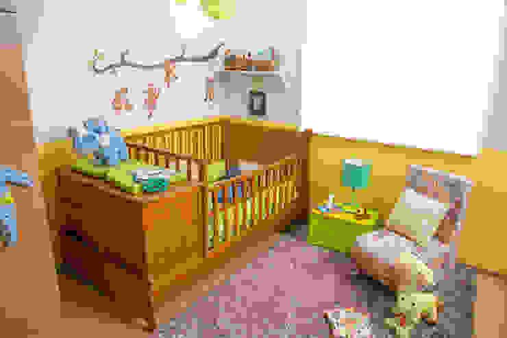Habitación bebé de Idea Interior Moderno Aglomerado