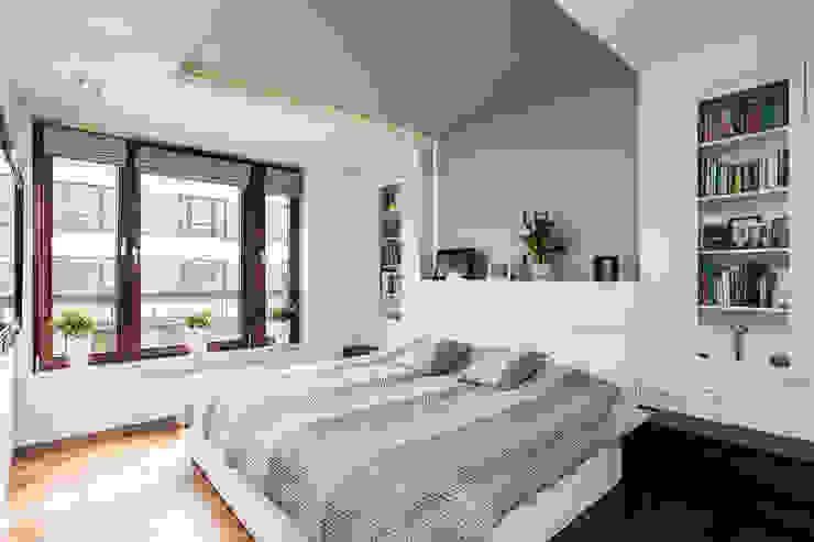 Dormitorios modernos: Ideas, imágenes y decoración de Michał Młynarczyk Fotograf Wnętrz Moderno