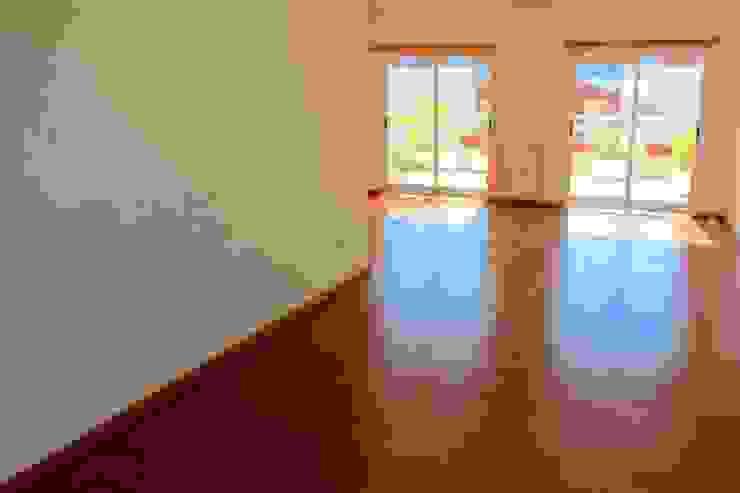 Sala - Apartamento T3 Duplex por Novilei Imobiliária Mediterrânico