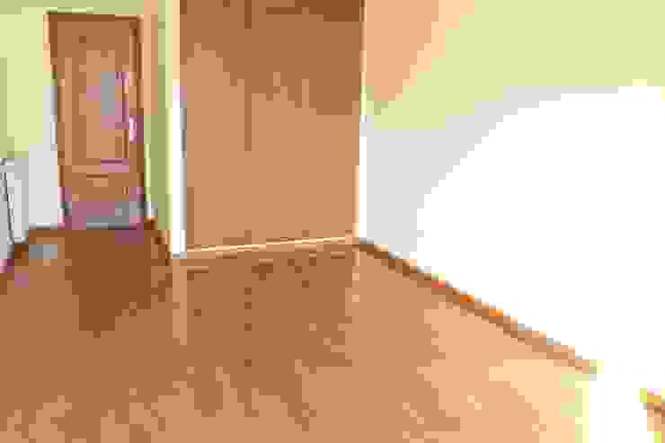 Quarto - Apartamento T3 Duplex por Novilei Imobiliária Mediterrânico Madeira Acabamento em madeira
