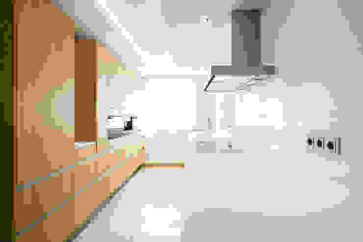 Minimalistische keukens van homify Minimalistisch Glas