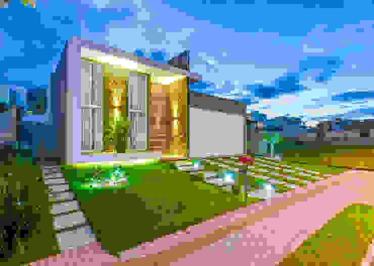 Case moderne di Zani.arquitetura Moderno