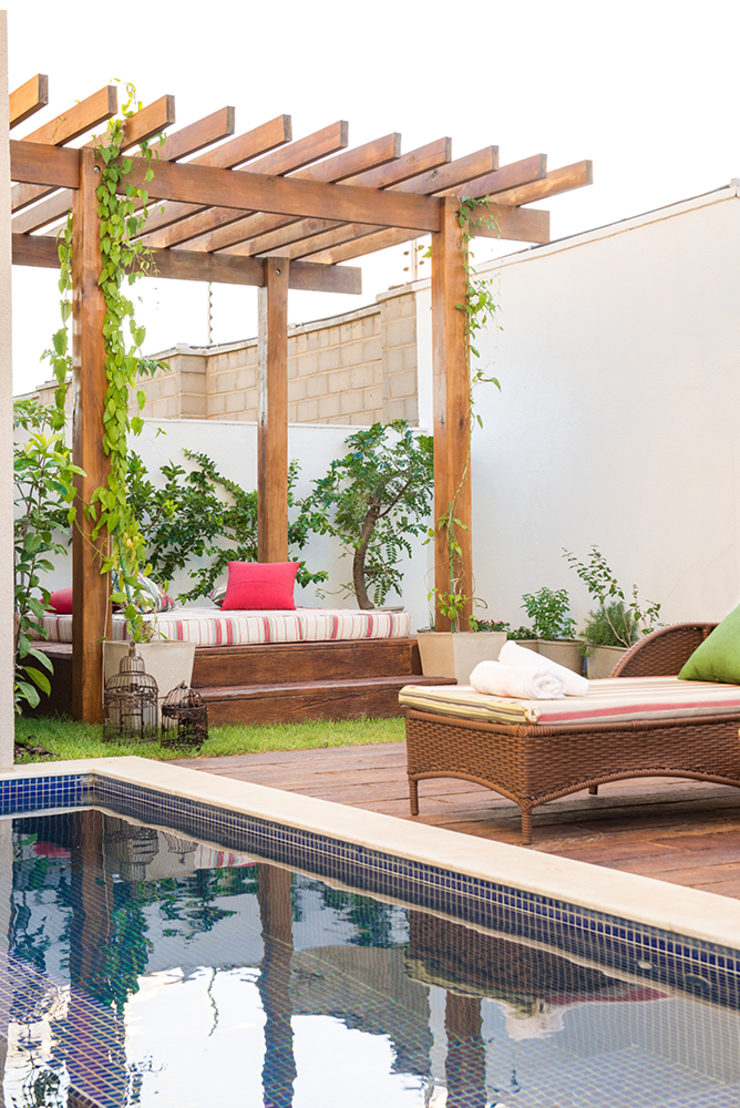Duo Arquitetura Balcone, Veranda & Terrazza in stile minimalista
