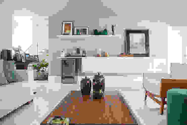 Duo Arquitetura Soggiorno minimalista