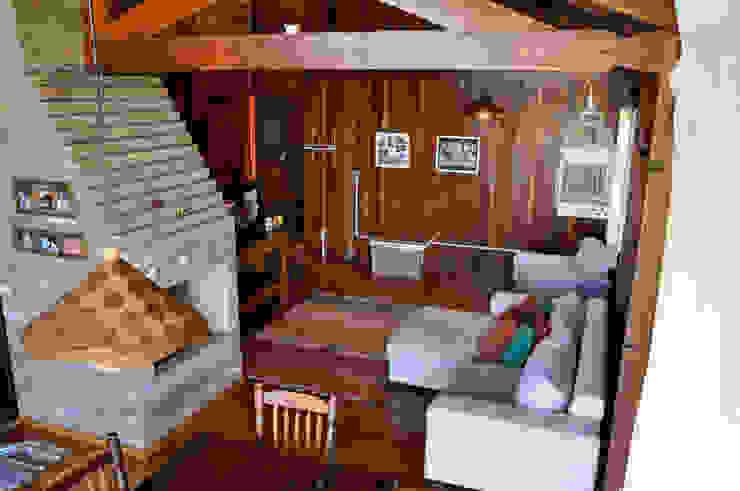 Residência G.S Zani.arquitetura Salas de estar rústicas