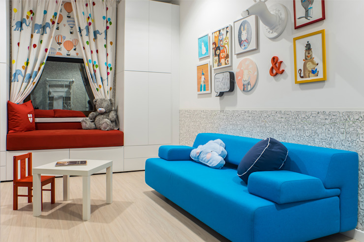 Квартира в <q>Ark Palace</q> Детская комнатa в стиле минимализм от Kristina Petraitis Design House Минимализм