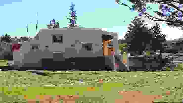 Exterior de la propiedad Liliana almada Propiedades Casas de estilo colonial