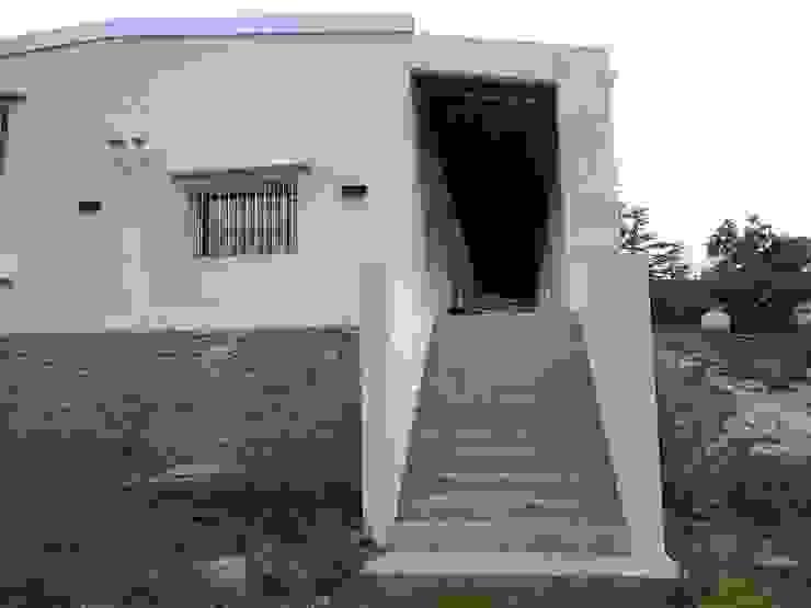 Escalera Liliana almada Propiedades Casas de estilo colonial