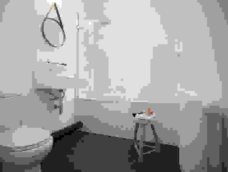 Brixton Pad 04 Salle de bain scandinave par YAM Studios Scandinave