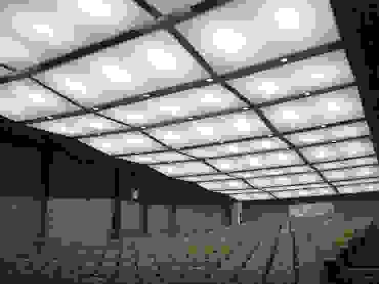 Internova Stretch Ceiling & 3d Flooring  – Gergi Tavan & Aydınlatma / Stretch Ceiling & Lighting: modern tarz , Modern