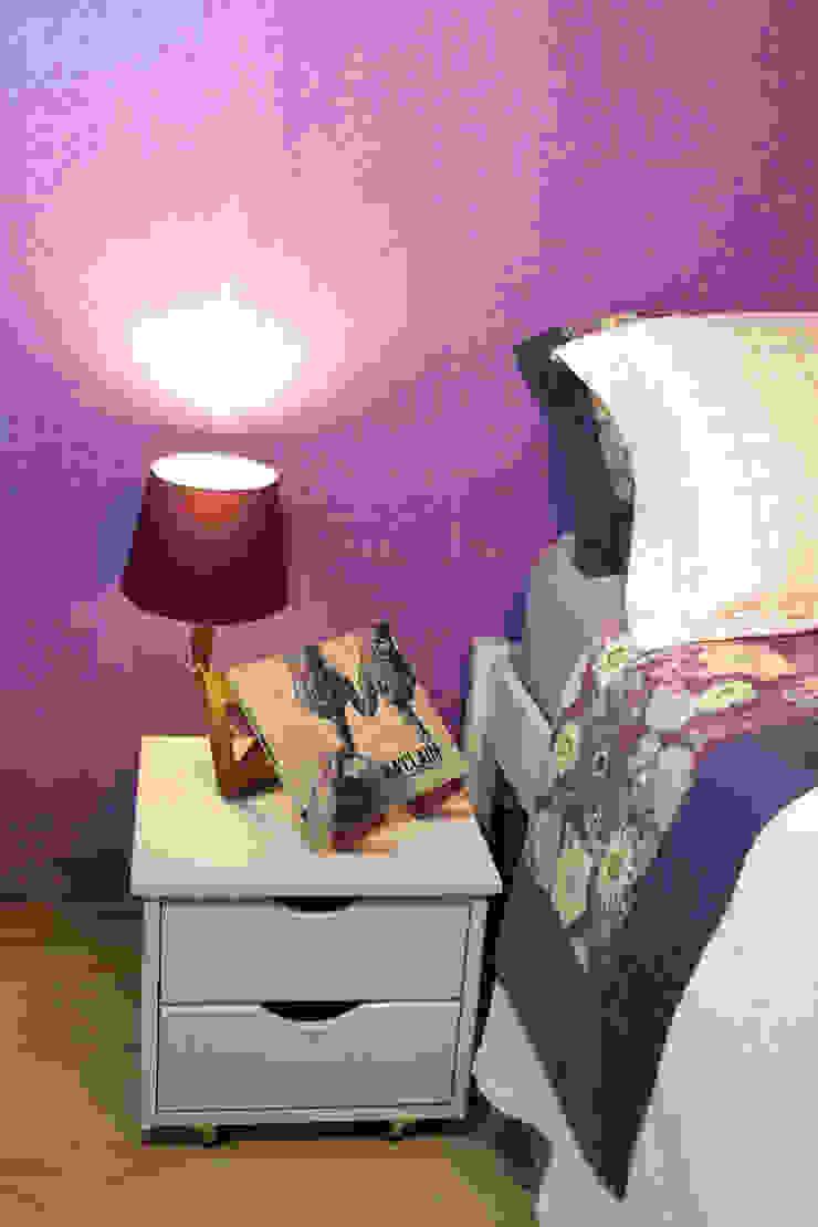 Cromalux Sistemas de Iluminação Ltda BedroomLighting Kayu Purple/Violet