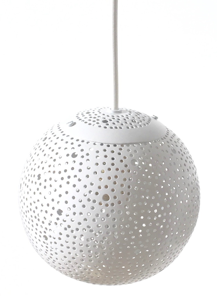 Gina 150 small pendant lights in white: modern  by .., Modern Metal