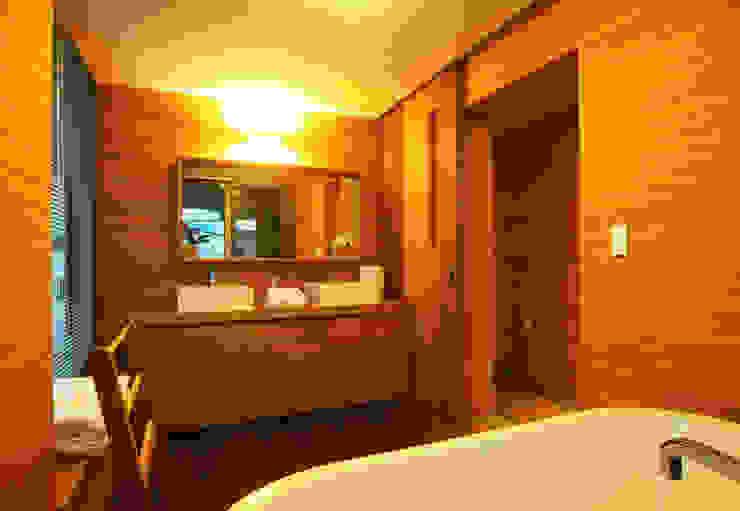 ห้องน้ำ by 비온후풍경 ㅣ J2H Architects