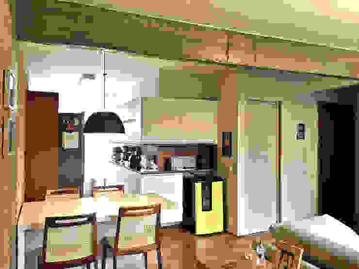 Modern dining room by MANAA ARQUITETURA Modern