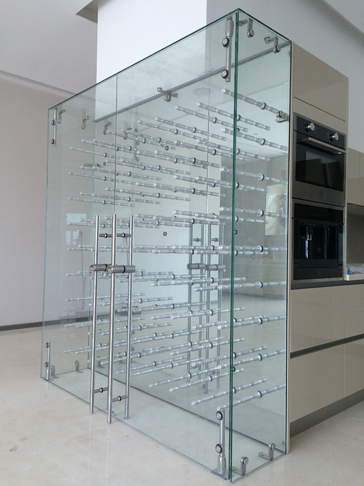Cava AParquitectos Bodegas de vino de estilo moderno Vidrio Transparente