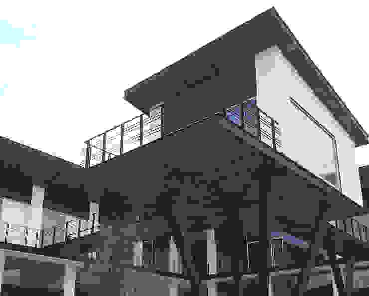 Detalle Centros comerciales de estilo moderno de AParquitectos Moderno Hierro/Acero