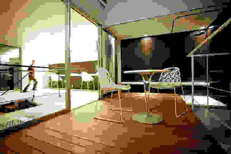 85inc. Modern Terrace Wood Wood effect