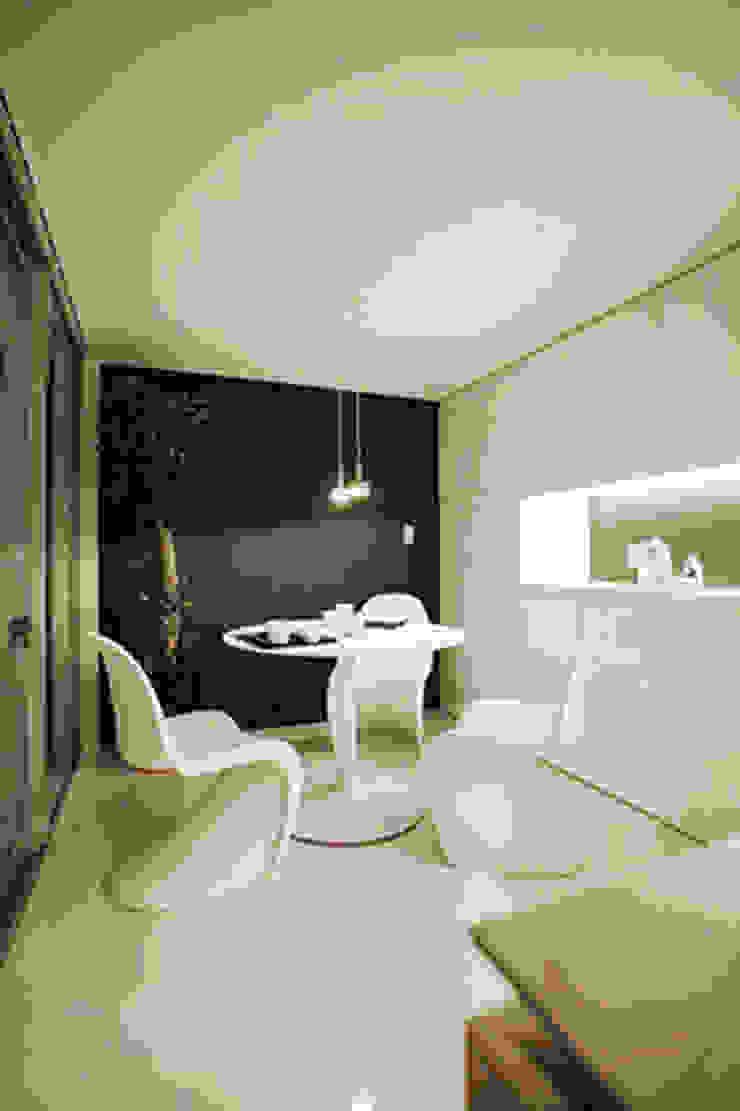 85inc. Modern Dining Room Iron/Steel White