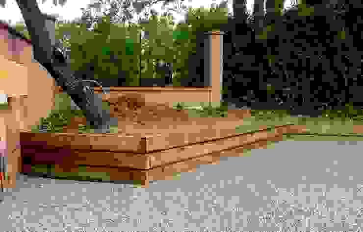 Rétention de terre en bois Jardin moderne par Constans Paysage Moderne